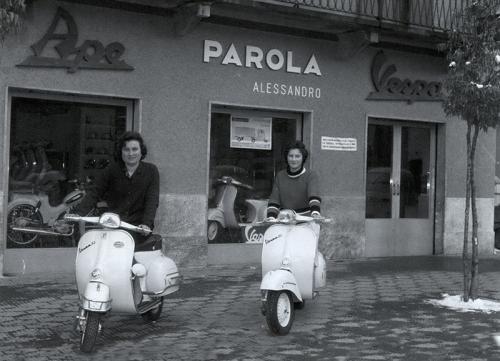 Due GL di fronte allo storico concessionario Parola in Lungogesso Giovanni XXIII a Cuneo