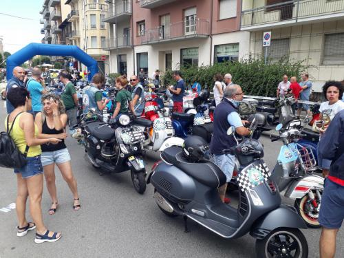 Vespa raduno nazionale ad Alba